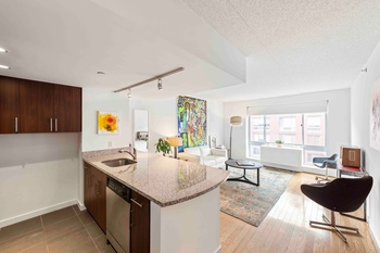 Immaculate One Bedroom steps from the High Line