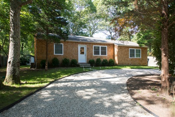 EAST HAMPTON SPRINGS- RENOVATED STARTER- 3 BEDS/ 1 BATH $675,000